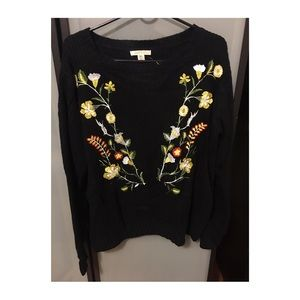 Black embroider sweater
